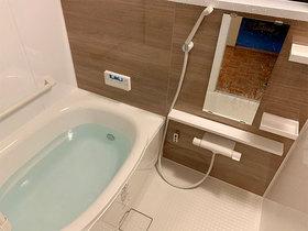 バスルームリフォーム冬場でもヒヤッとしない、快適なバスルーム