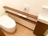 トイレリフォーム丸みをおびた高級感のあるタンクレストイレ