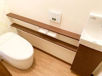 トイレリフォーム 丸みをおびた高級感のあるタンクレストイレ